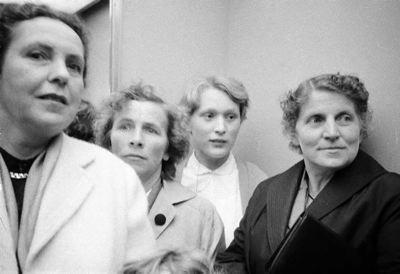 Zurigo 1958 - Immagini della mostra Saffa di Zurigo sulle attività femminili.